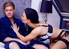 Horny guy enjoys fucking Jasmine Jae while her big tits bounce