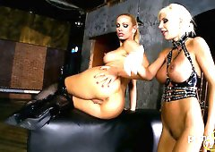 Aroused mature hoe Puma Swede fucks lesbian slut with sex toys