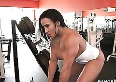 Curvy fitness chick works out naked