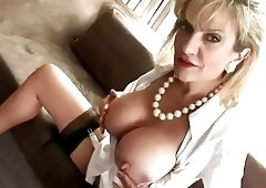 British MILF Wants To Help You With Your Wank