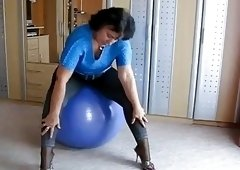 Big Booty MILF And An Exercise Ball