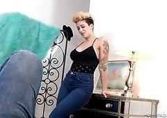 Sassy tattooed stepmom Della Dane gives a splendid blowjob to her stepson