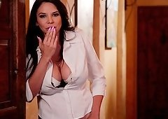 Mercedes Carrera and Uma Jolie are in need of each other's cunts