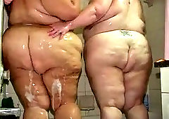 2 ssbbw fatties in shower