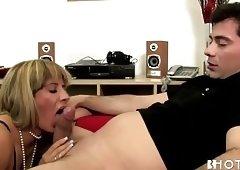 Anal Secretary Mom