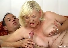 Wrinkled mature whore Irene gets her disgusting twat licked and fucked