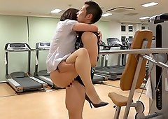 Beautiful Japanese chick is bonked by the horny men in the gym