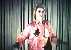 TWISTING & STRIPPING - 3 vintage beauties dance & strip