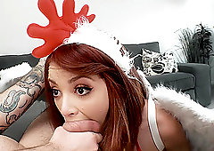 Christmas deepthroat and a cumshor for slutty teen Lola Fae